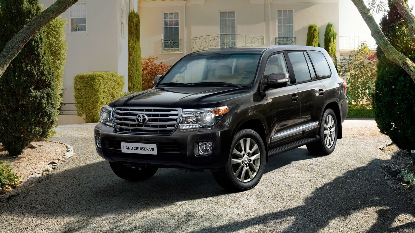 the land cruiser v8 story 4x4 cars toyota uk. Black Bedroom Furniture Sets. Home Design Ideas