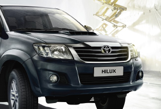 Hilux 4x4, Blue exterior, front side view