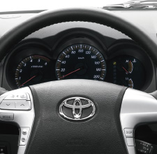 Hilux 4x4, Black interior, dashboard, steering wheel