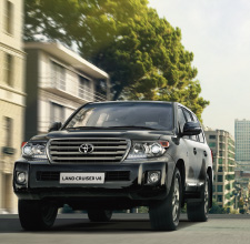 Land Cruiser V8 2012 | Black | Exterior | Toyota UK