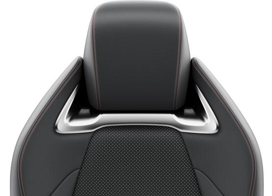 Išskirtinė GR SPORT sėdynių apdaila su matiniais chromuotais intarpais